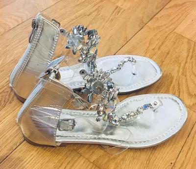 K.R.Á.S.N.É.sandálky s kameny styl gladiátorky v.39/24.5cm/1x vzaté!