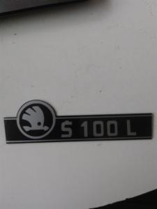 zadní znak Škoda 100L