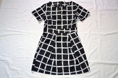 Pěkné lehoučké černobílé šaty, vel. S