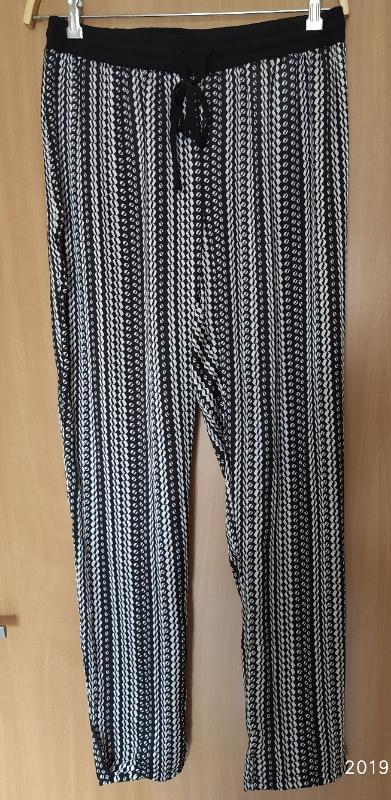 Letní kalhoty Zn.C&A