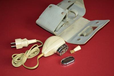 holící strojek, retro, s obalem
