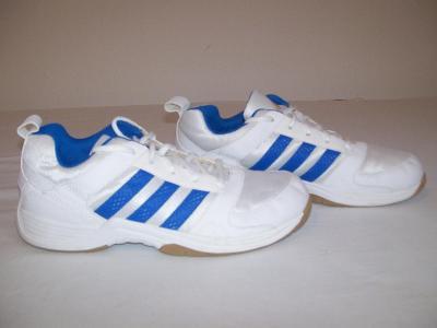 Sportovní obuv dětská  ADIDAS - č. 36 2/3 (sálovky)