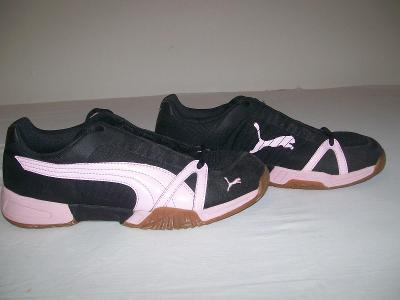 Sportovní obuv dětská  PUMA  CELL  (sálovky) - č. 38,5
