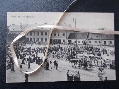 Zlín Kroměříž Koryčany náměstí trhy stánky živá lidé hasiči slavnost