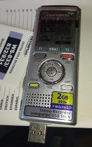Novy profesionalni diktafon OLYMPUS WS-831, 2GB pamet, MP3/WMA