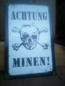 plechová cedule -Achtung Minen 2