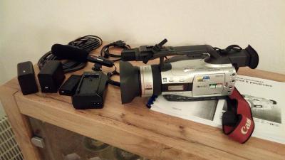 Profesionální tříčipová digitální videokamera CANON XM2