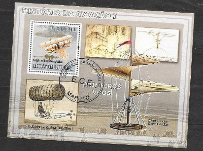 Mosambik 2009-Letadla I. - Triplán Stringfellowa, da Vinciho letadla