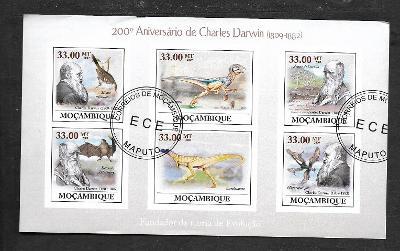 Mosambik 2009 - Darwin, Allosaurus, Lesothosaurus, Microraptor, upír..