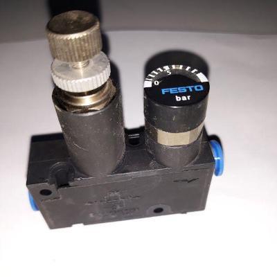 Průchozí regulační ventil s manometrem FESTO, typ LRMA-QS-6