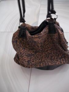 Tygrovaná kabelka