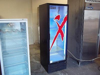 Prosklená lednice chladnice vitrína CARAVELL