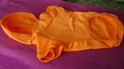 Obleček pro pejsky, teplákový s kapucí a kapsičkou na zadečku