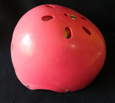 Dětská,lyžařská, retro helma...(9630)