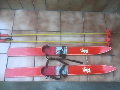 Staré dětské lyže - retro