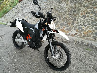 Prodám KTM 690 Enduro R 4/2016 9800Km Safari+KTM PowerParts TOP