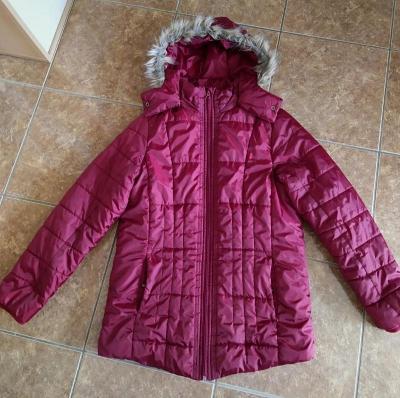 Zimní bunda s kapucí vel.42