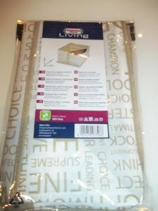 BOX NA OBLEČENÍ 30 X 40 X 20 cm