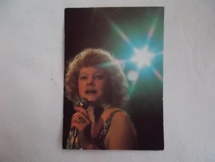 Foto pohlednice Československo zpěvák zpěvačka Eva Pilarová - Pohlednice