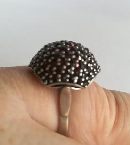 Exkluzivní Česky granát Turnov prsten stříbro punc kozlík 925 G