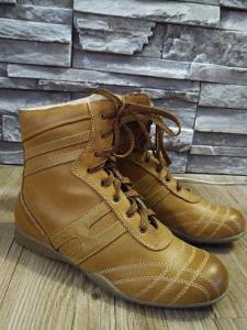 Dámské kotníkové boty vyteplené,vel.38