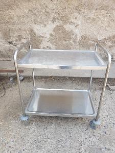 Pojizdny stolek