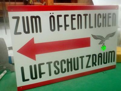 plechová cedule -Luftschutzraum