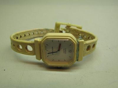 Starožitné dámské hodinky na baterii Casio Quartz
