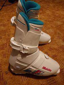 Lyžařské boty / lyžáky Raichle vel Eu7, Us8, délka boty 296 cm