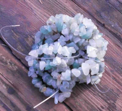 Korálky - Avanturín - zlomky minerálů šnůra 90 cm