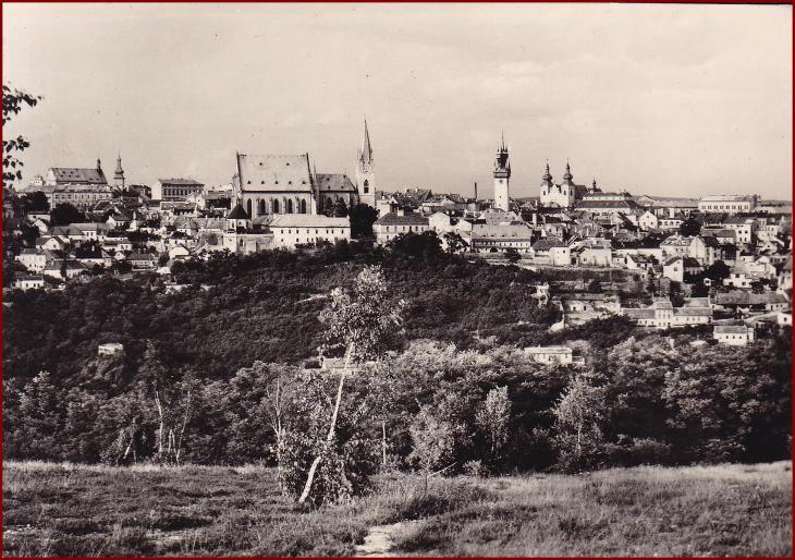 Znojmo * Kraví hora, pohled na část města * V414 - Pohlednice