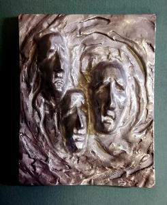CHMELAŘ M. - autorska plastika – kov - 1,35kg 19,5x25cm -EXKLUZIVNÍ