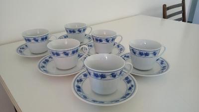 Sada šesti hrnků na čaj