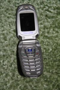 Mobilní telefon Samsung model: SGH-X640 na náhradní díly