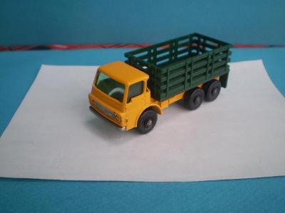 MATCHBOX - RW  4d   STAKE TRUCK