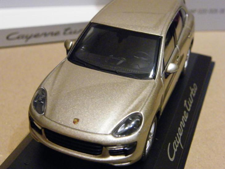 PORSCHE Cayenne turbo    - MINICHAMPS 1:43 - Modelářství