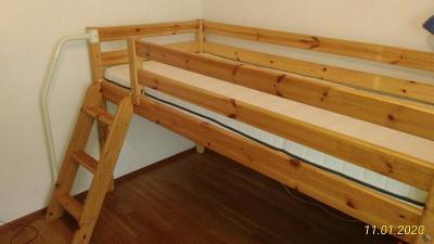 Dětská vysoká postel