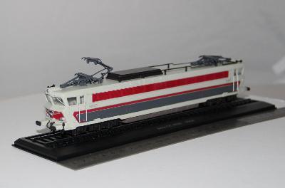Model rychlé evropské el. lokomotivy CC 40101, 1964, M1:76