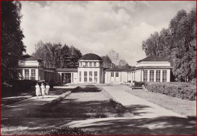 Františkovy Lázně * pramen Natalie, budova, park, lidé * Cheb * V474