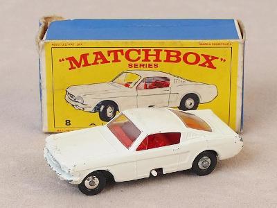 MATCHBOX 8E - FORD MUSTANG FASTBACK - 1966 - PŮVODNÍ KRABIČKA