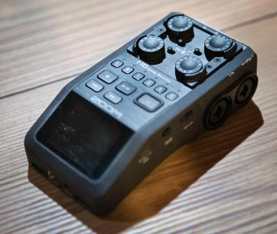 Zoom H6 - audiorekordér + 2x mikrofon