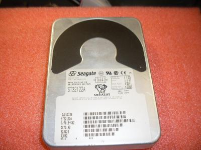 HDD IDE Seagate ST32122A,  2,111GB
