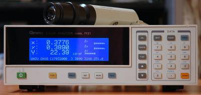 Chroma 7121 analyzátor barev s měřící sondou