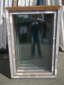 Plastová okna ( plastové okno ) 90x130 zlatý dub