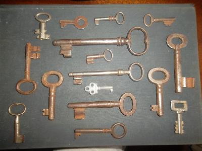 Staré klíče.