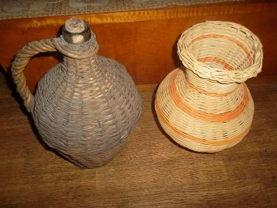 Proutěná váza + opletená nádoba na víno.