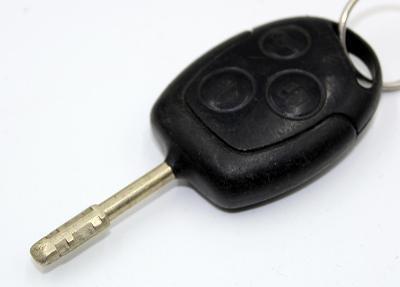 KLÍČ Ford Focus,Mondeo 3 TLAČÍTKA použitý - funkční