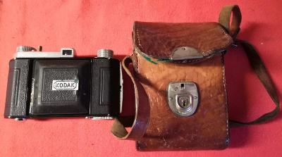 Starý fotoaparát Kodak Compur v koženém pouzdře - funkční (9988)