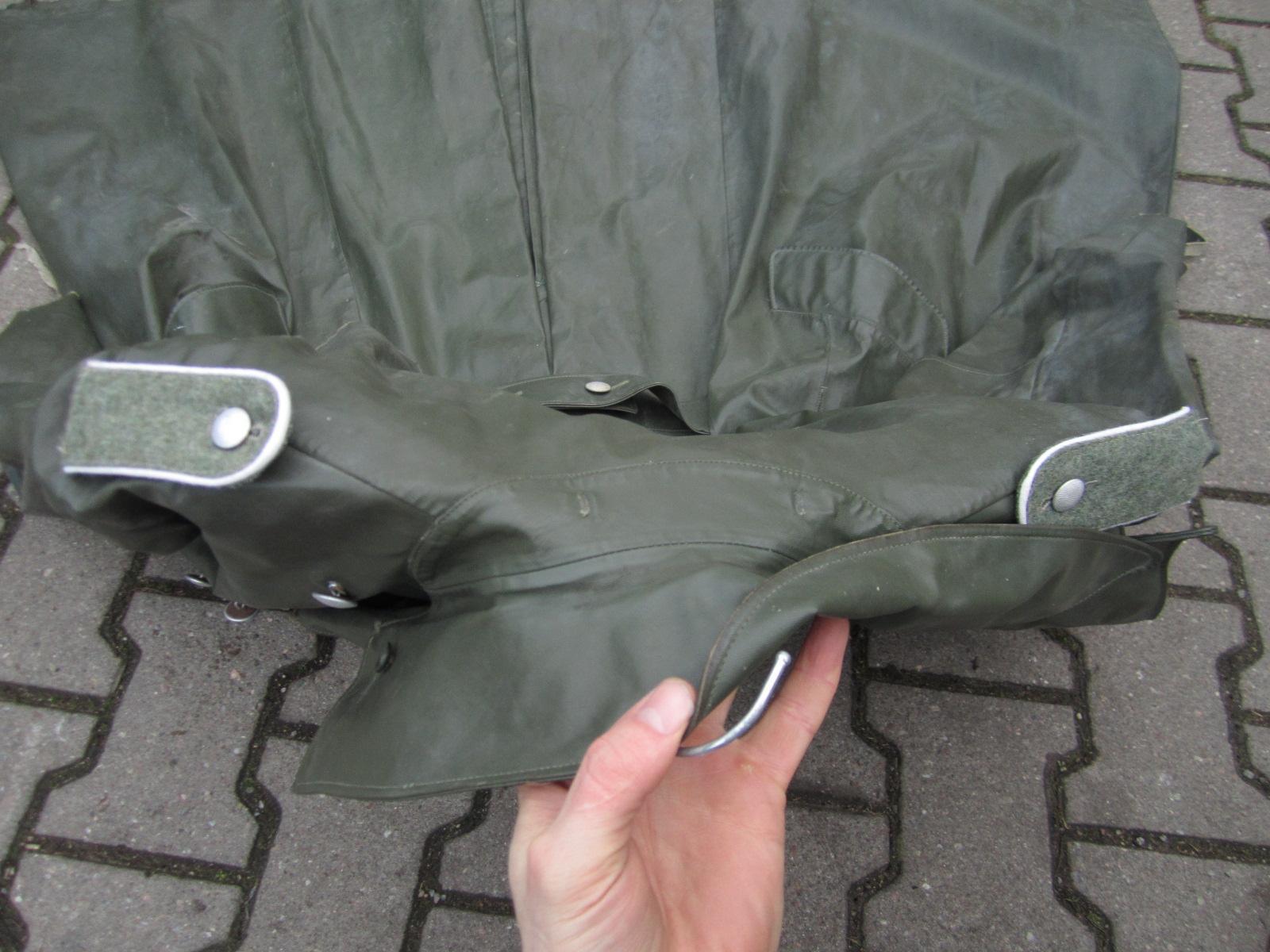 Identification Manteau de pluie WH 407b0ad5-5e40-46c2-9403-85adcf8bf829