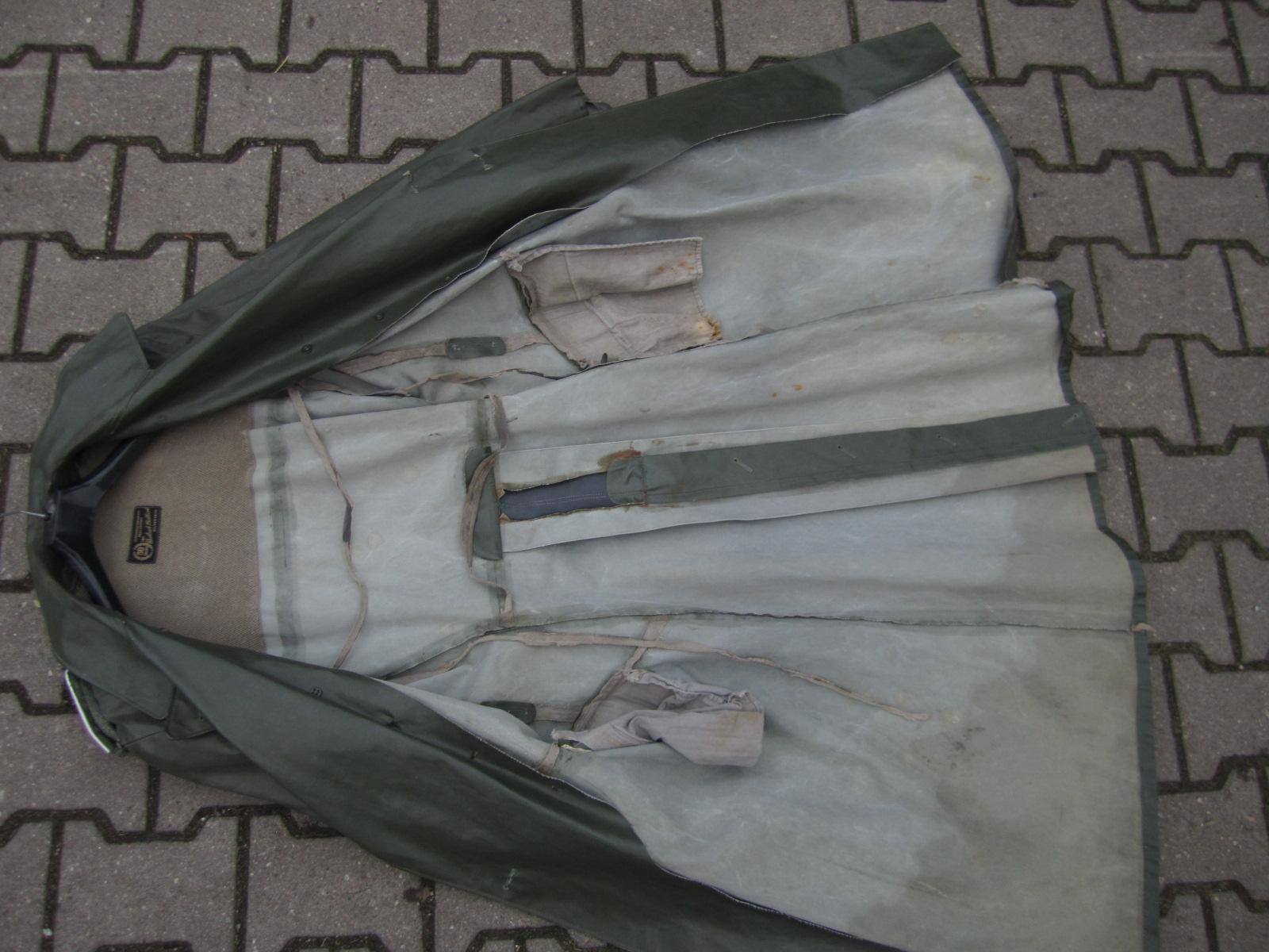 Identification Manteau de pluie WH C81f84e1-9b79-4714-9828-26827f6b6d9d